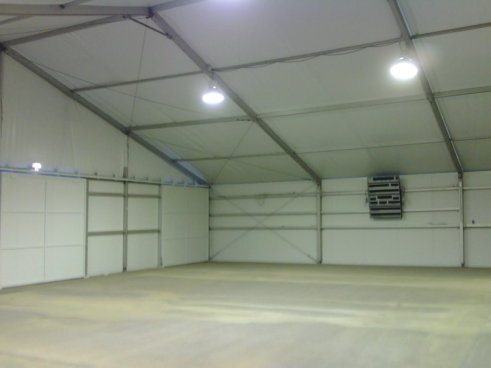 Carpa-2aguas-cierre-rigido-interior